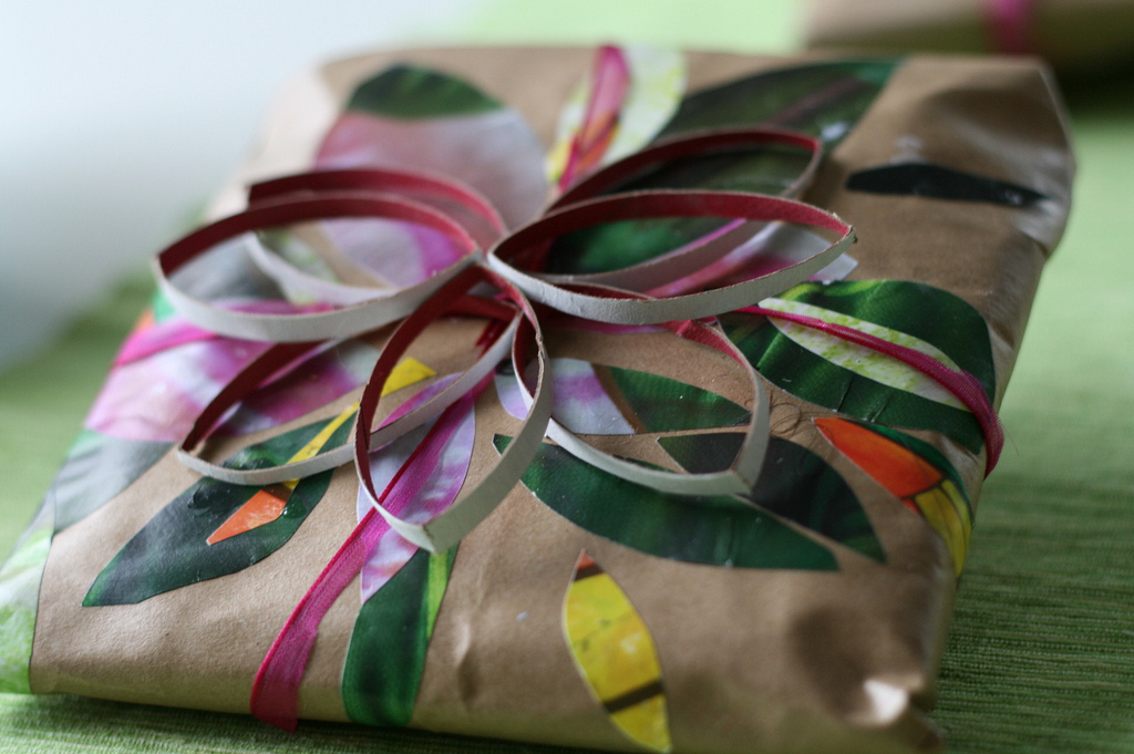 Here's how to wrap your holiday gifts, perfectly [video]