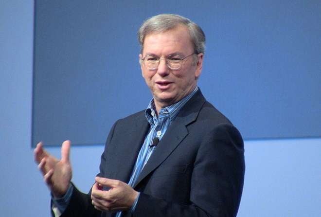 "Google's Eric Schmidt: The Internet and mobile can ""change the world"""