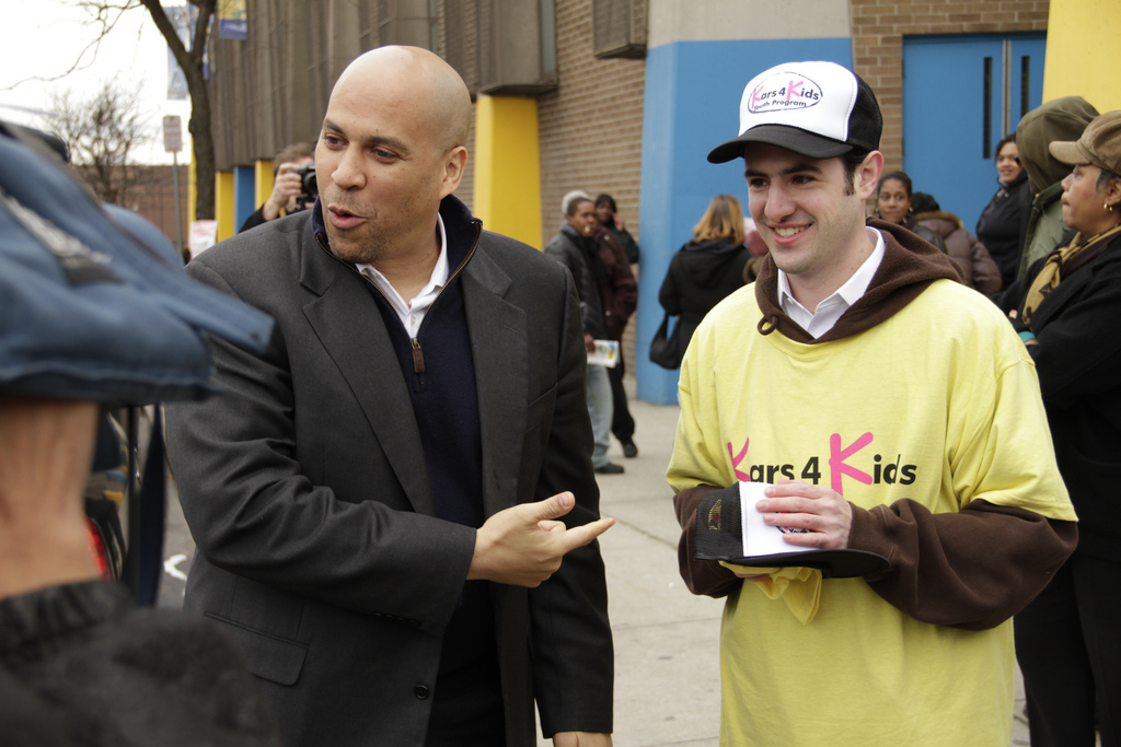 Newark NJ mayor Cory Booker takes to the web with a get fit challenge