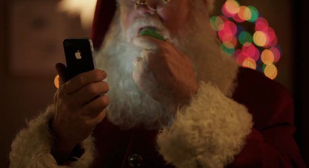Check out Santa using Siri in Apple's new Christmas-themed iPhone 4S commercial