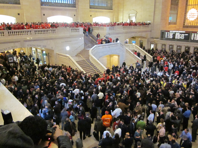 Massive crowds gather for Apple's Grand Central Terminal NYC store opening