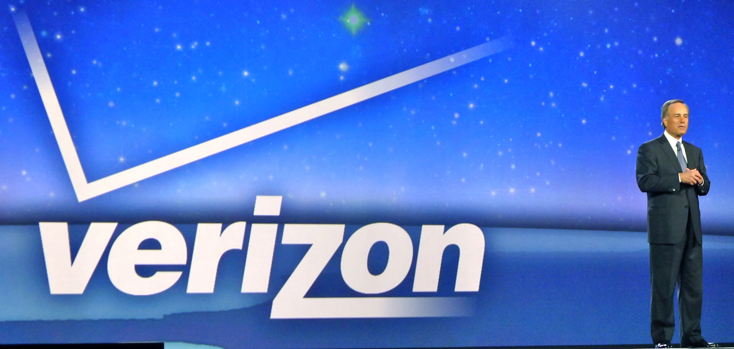 Verizon buys 122 wireless spectrum licenses from Comcast, Time Warner Cable for $3.6 Billion
