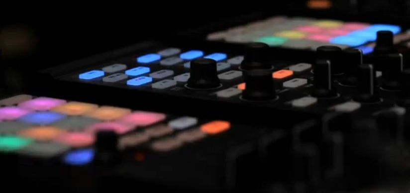 Native Instruments teases a new hardware DJ/production hybrid slated for spring