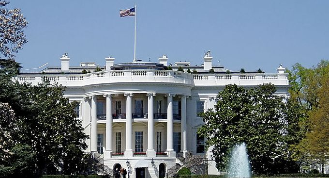 The White House's SOPA response: Fight online piracy, but don't undermine the Internet