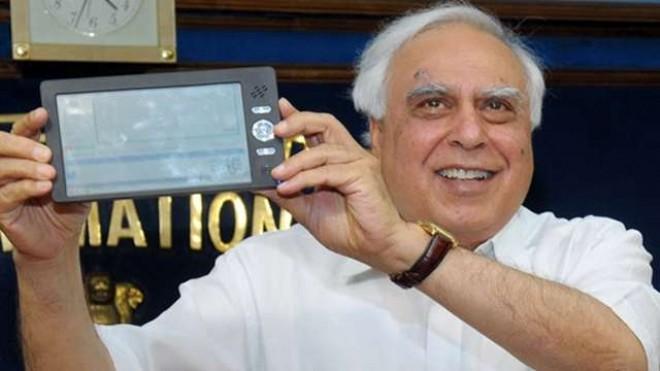 India's $45 Akash tablet racks up 1.4 million pre-orders in 2 weeks