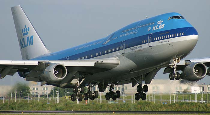 Did you know that you can send a tweet to get the lowest KLM airfares?
