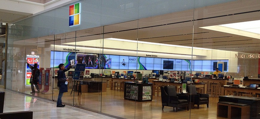 Microsoft plans to bring its retail experience to Canada