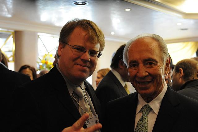 Israeli president Shimon Peres to visit Facebook HQ, set up a Page for peace