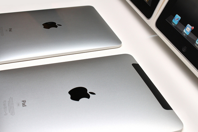 This photo suggests that the iPad 3 will come with a larger battery