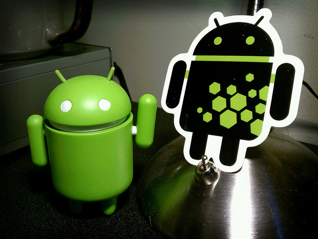 Despite the iPhone's monumental Q4, Android still powered 50% of all smartphones sold