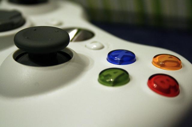 Logitech F540 vs SteelSeries 7xb: Xbox 360 wireless headset showdown