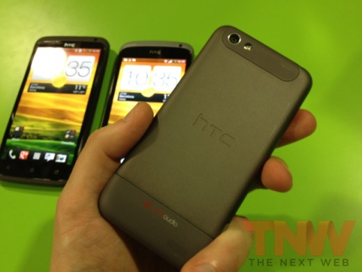 IMG 1744wtmk 520x390 Hands on with HTCs new One series smartphone lineup [Photos]