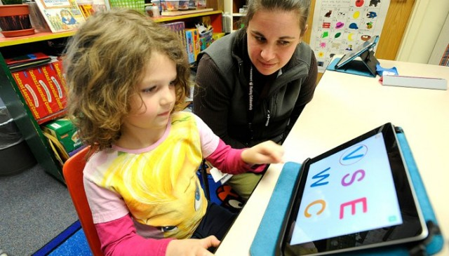 Study finds kindergartners read better with the iPad