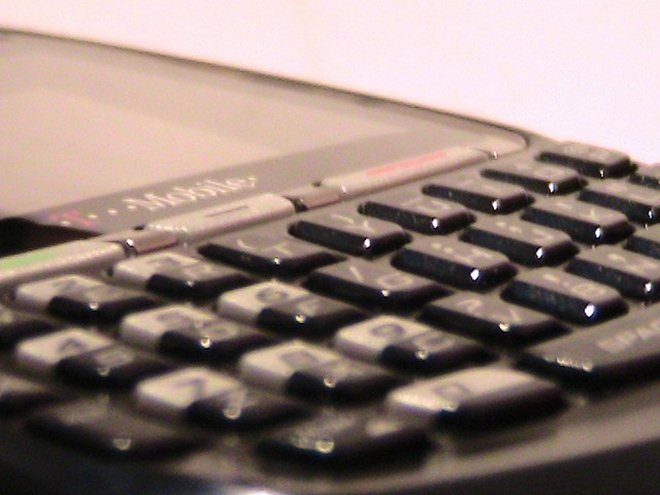 RIM focuses on developing markets with the new $215 BlackBerry Curve 9220