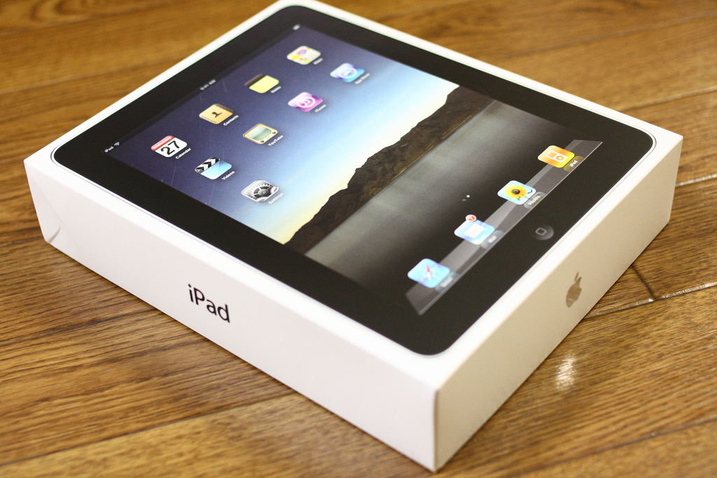 Reports from China claim Apple has started shipping the 'iPad 3' to the US