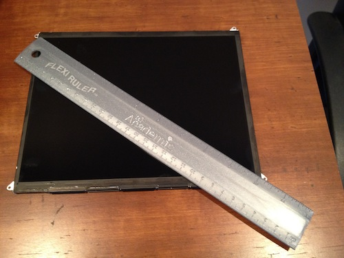 Probable display part for iPad 3 confirmed as a 2048×1536 Retina panel under microscope