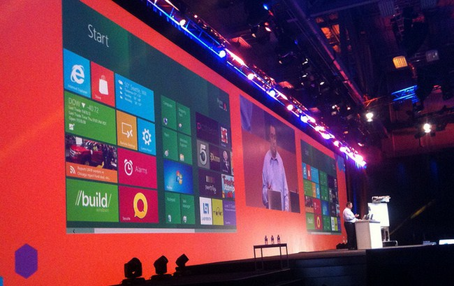 Microsoft tries to woo iOS developers with massive design case study