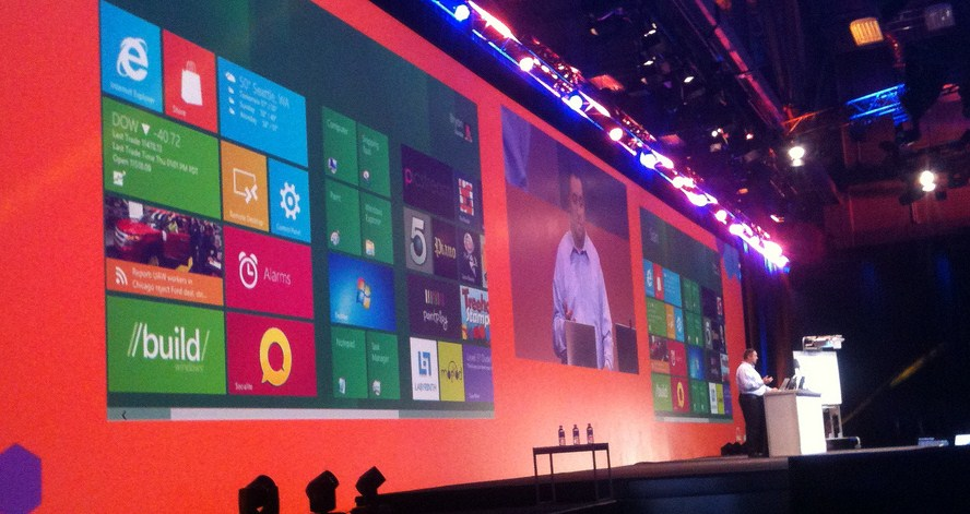 Microsoft brings Windows Phone development to Windows 8