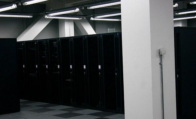 With Windows Server 8, Microsoft plans big cloud push