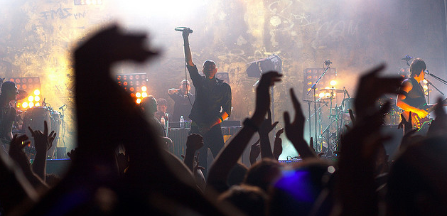 Catch live concerts of your favorite bands with Moshcam's first iOS app