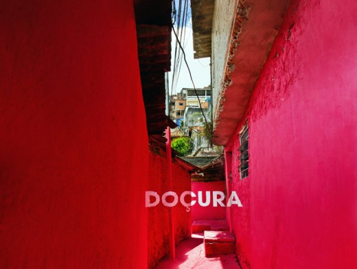 brasilandia 3 doçura 520x392 How colorful typography brought beauty and pride to a Brazilian slum