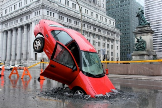 nids de poule stunt PR canada Taxi montréal voiture accidentée 1 600x400 520x346 This incredible PR stunt was used to promote Canadian based app Pothole Season