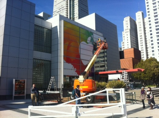 photo 2 520x388 Apples signage for the March 7th iPad 3 event is nearly complete [pictures]
