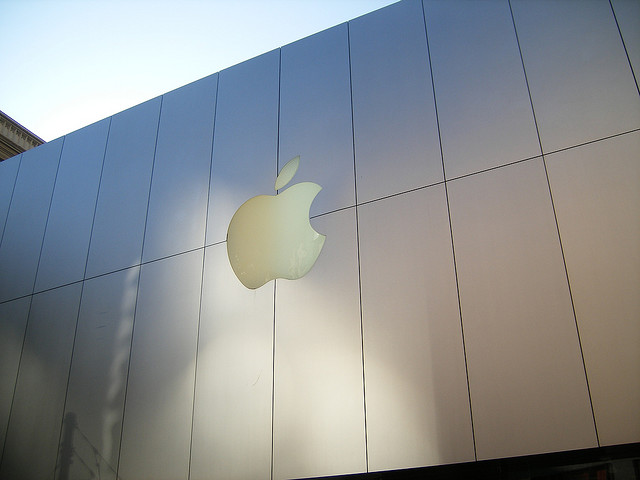 Apple SEC filing highlights official appointment of John Browett as new SVP of Retail
