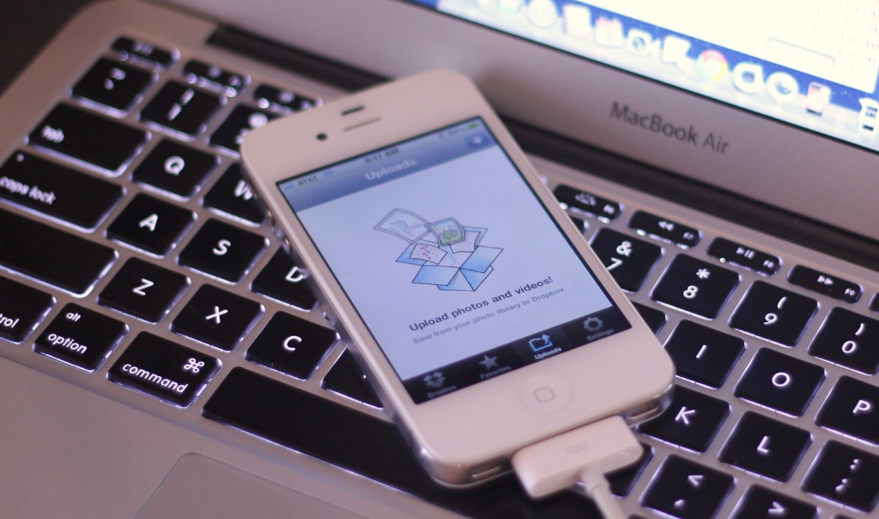 Dropbox says it will update its iOS app to fix profile security hole, Android not affected
