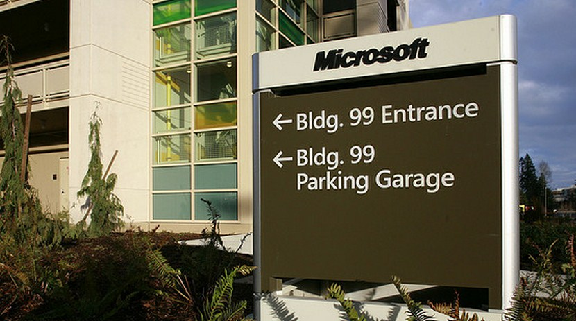 Confirmed: Microsoft Research's 'Flat Datacenter Storage' tech is king of the data ...