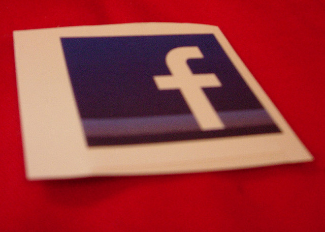 Facebook sent 160M visitors and 1.1B visits to mobile apps in April