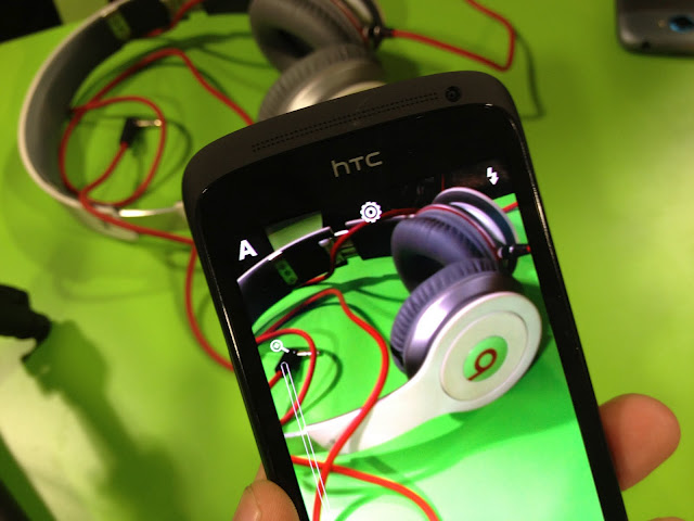 HTC's monthly revenues top $1.06 billion in April, still down 20% year-over-year