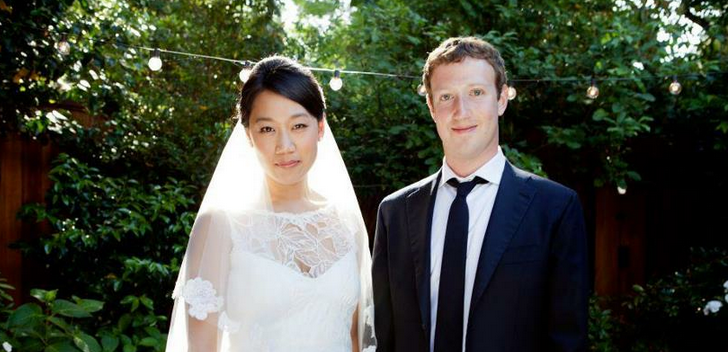 Mark Zuckerberg's wedding status update passes 1 million Facebook 'likes'