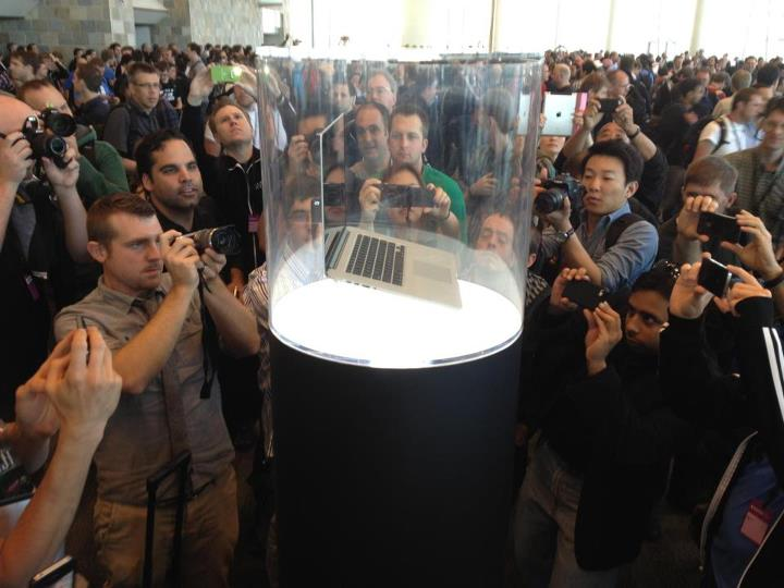 No photo will illustrate the spectacle of an Apple product launch like this one