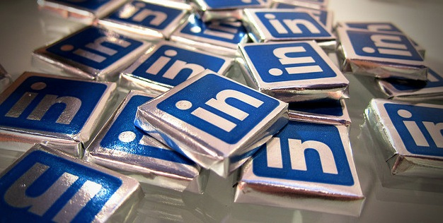 LinkedIn's iOS app collects and transmits names, emails and notes from your calendar, in plain ...