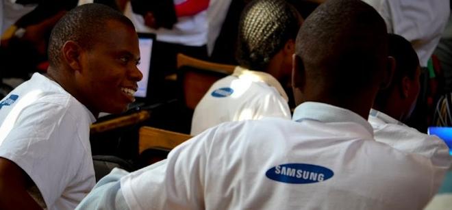 The affordable African smartphone battle begins: Samsung's Galaxy Pocket vs Huawei's Ideos ...