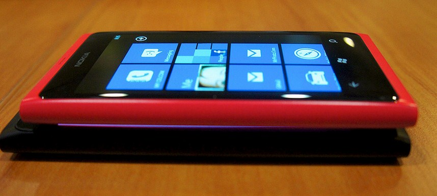 Windows Phone 8 handsets may not land until November