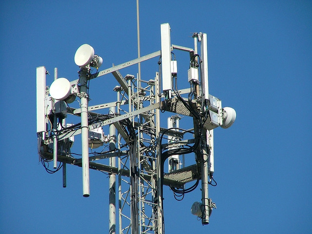 UK 4G spectrum auction process to begin late 2012, bidding to start early 2013