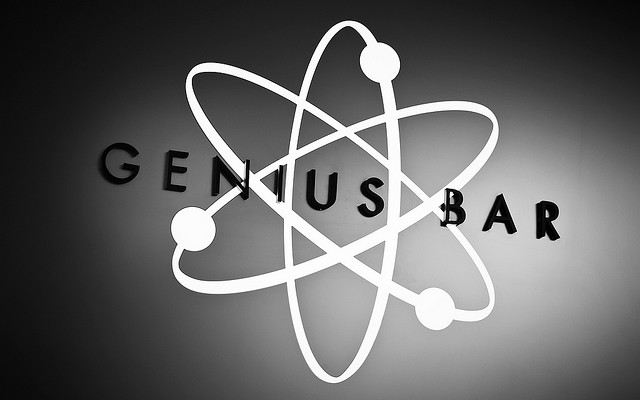 Apple ramping up Genius program with new double-row Genius Bar retail layout