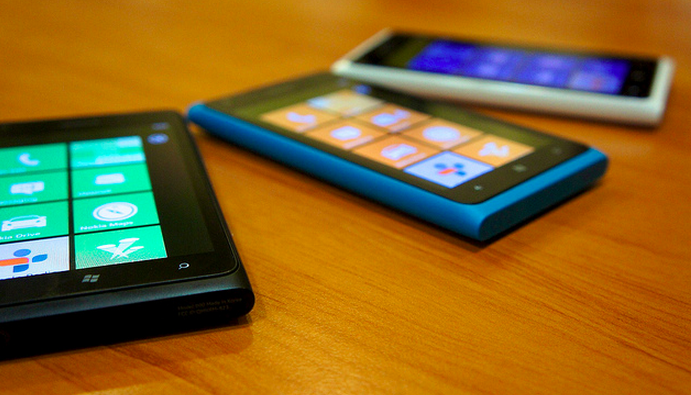 Nokia shifting Lumia 900 production to Argentina, explaining order declines with Compal