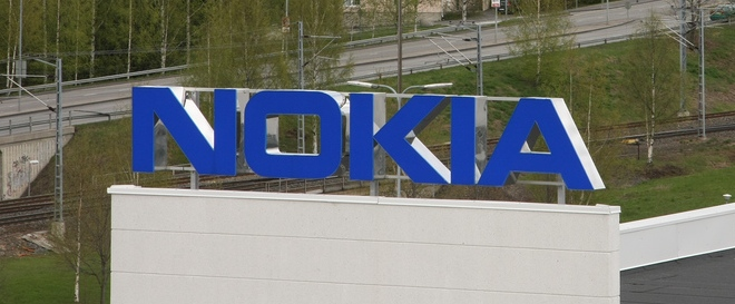 Nokia looks to hang on to key staff with more stock options (but none for CEO Elop)
