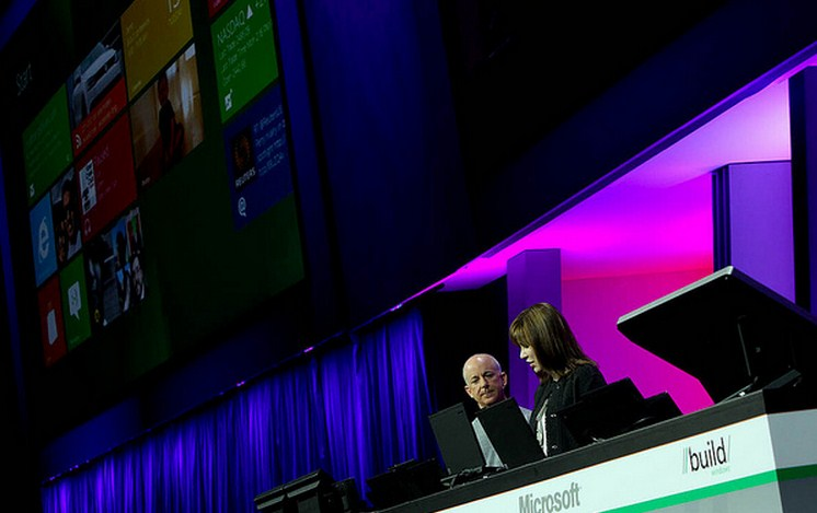 This week at Microsoft: Windows 8, Outlook.com, and Metro's demise