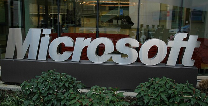 This week at Microsoft: Windows 8, Windows Phone, and poor, poor Metro