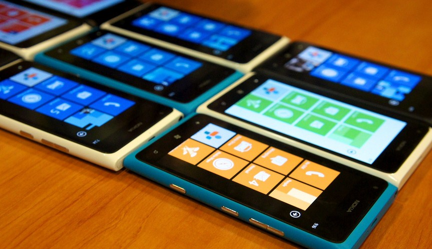 "Sudden clarity analyst: Windows phone doesn't sell well due to a ""lack of consumer interest"" ..."