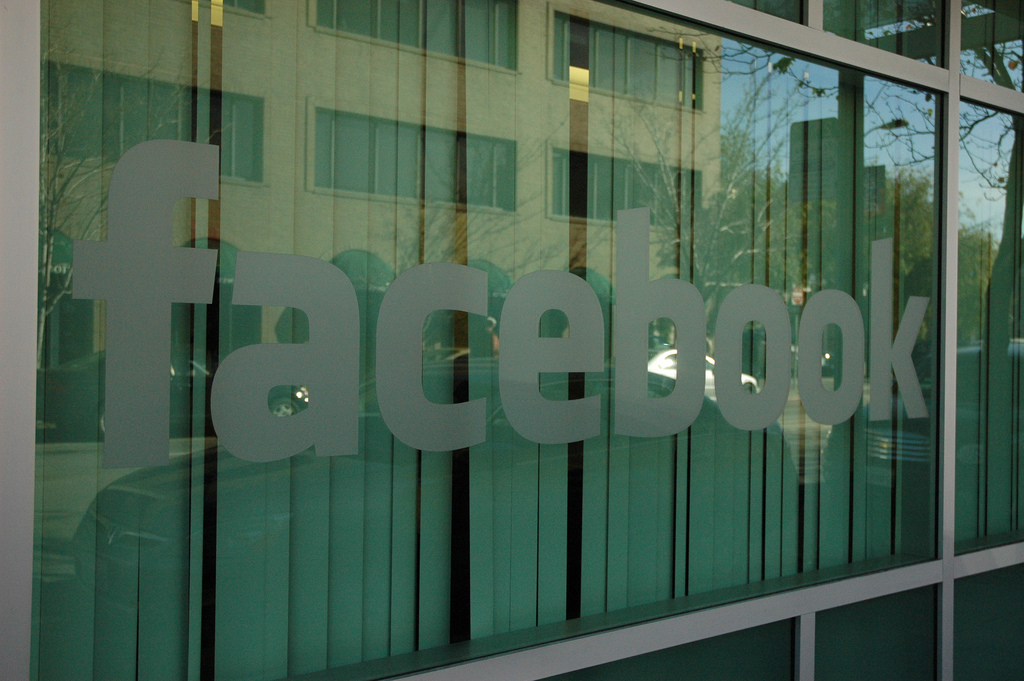 UK competition watchdog gives the green light to Facebook's $1 billion acquisition of Instagram ...