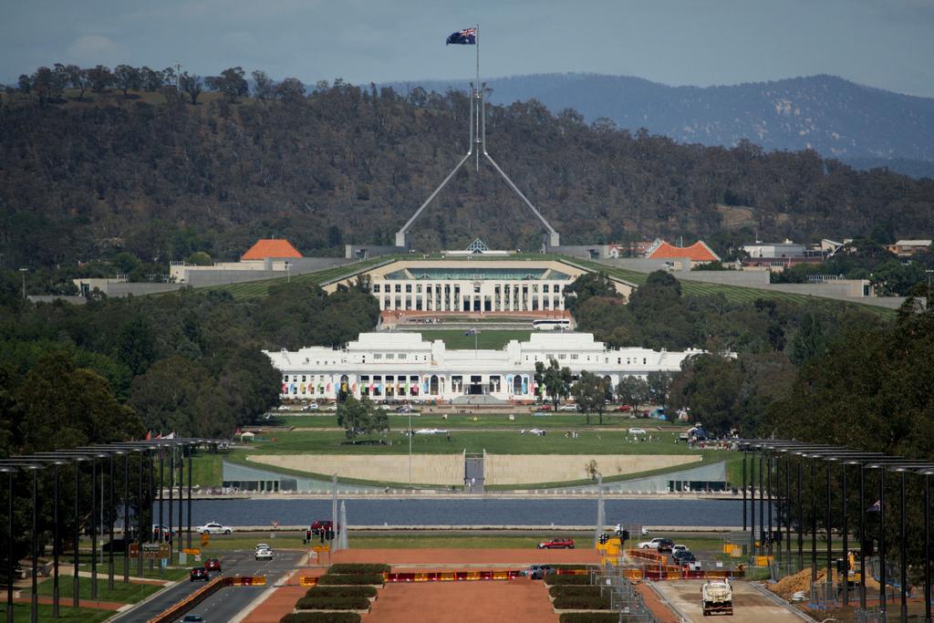 Australian government passes controversial cybercrime data retention bill