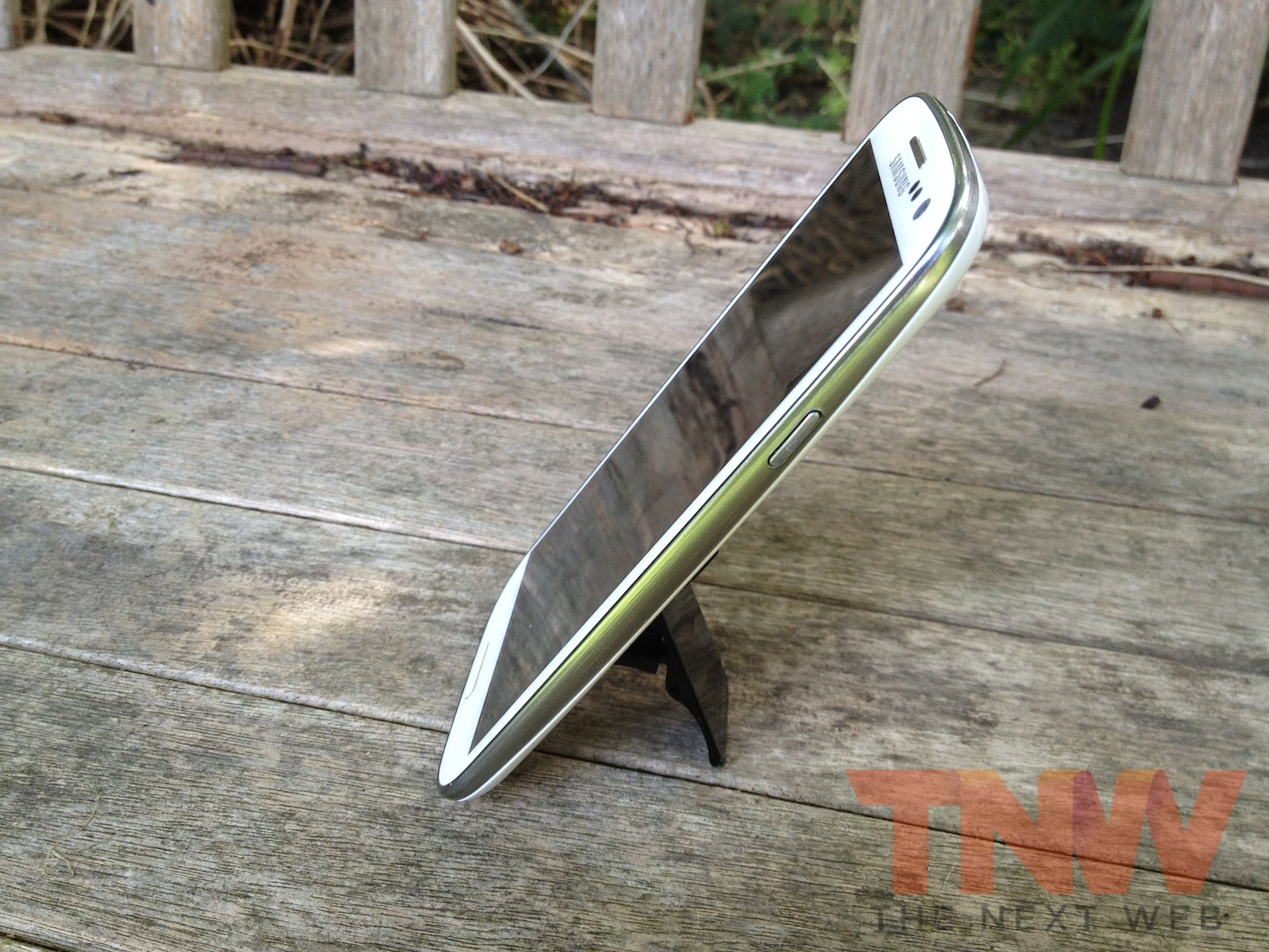 TNW Review: The Flygrip helps you get to grips with your portable gadgets…quite literally