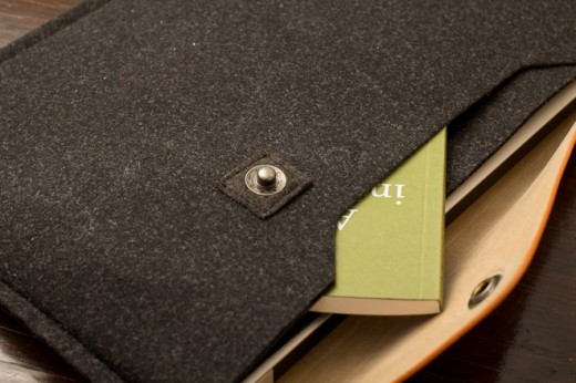 IMG 6945 520x346 Review: Mujjo Originals sheathes your MacBook in lovely swatches of leather and felt