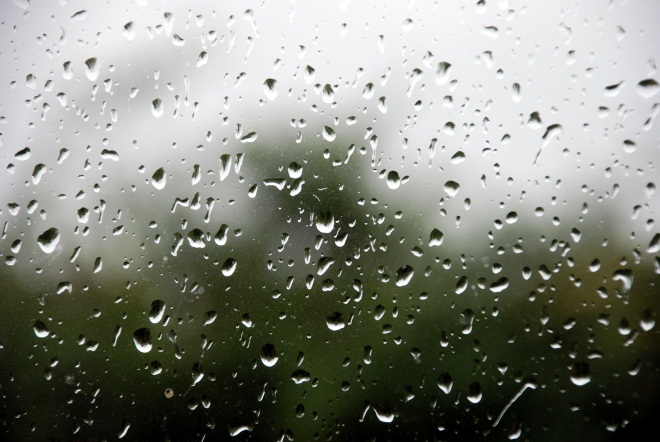 Enjoy the sound of rain? Raining.fm drops down from the clouds to make your day