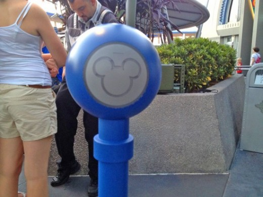 fp rfid1 550x412 1 520x389 Disney World gets a great new My Disney Experience app, which will link to wireless NextGen Fastpass